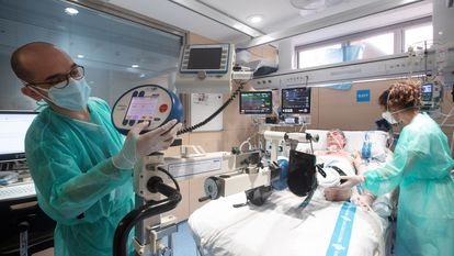 Jordi Soriano, de 51 anos, é o primeiro paciente de covid-19 a ser submetido com sucesso a um transplante pulmonar na Espanha, depois de se contagiar na terceira onda da pandemia e permanecer por mais de quatro meses na UTI.