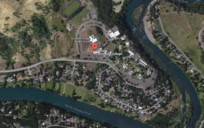A Universidade de Umpqua em Roseburg (Oregon).