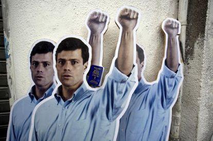 Cartazes de apoio a Leopoldo López em Caracas.