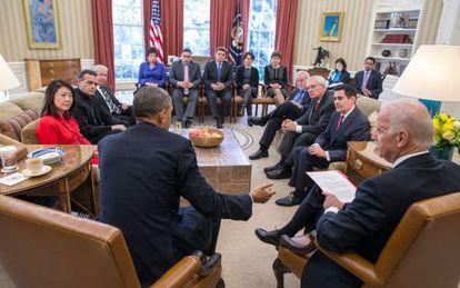 Obama reunido com líderes religiosos na Casa Branca.