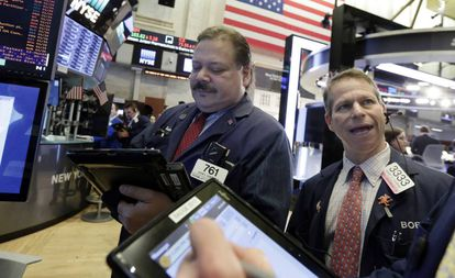 Operadores de Bolsa em Wall Street.