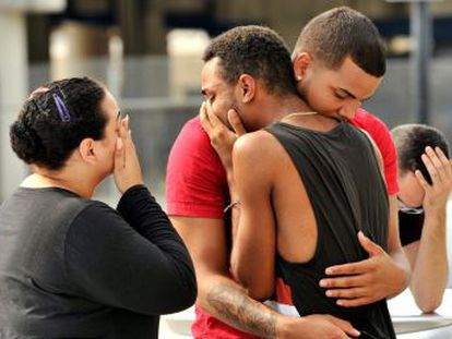 Testemunhas do massacre dizem que muitas das vítimas foram atingidas quando tentavam escapar do local