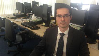 Deltan Dallagnol no escritório da força-tarefa Lava Jato.