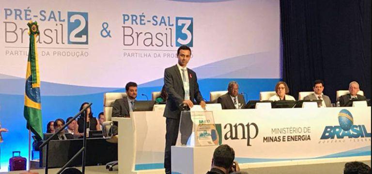 Representante de empresa confirma lance em leilão do pré-sal