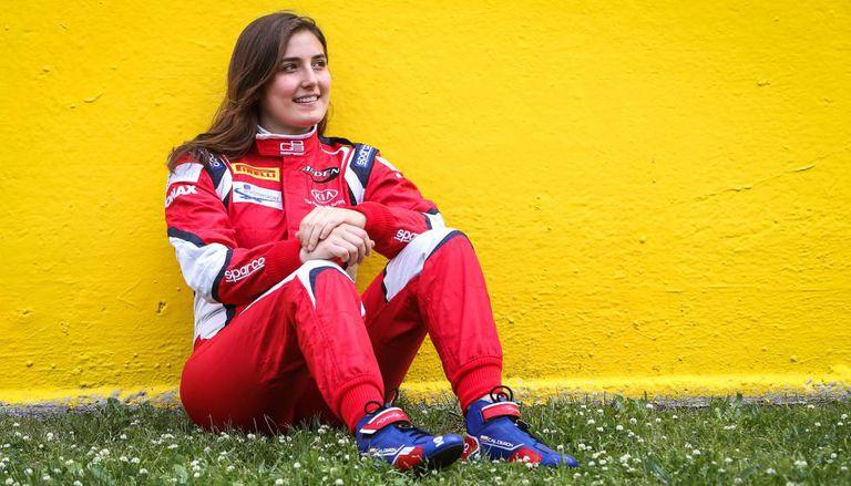 Tatiana Calderón, uma mulher quebrando o tabu na F1.