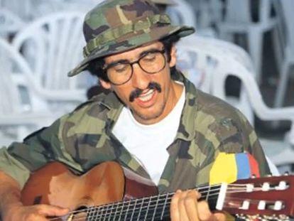 Reprodução de um vídeo que pede a libertação de Julián Conrado.