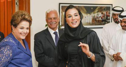 Dilma com a xeica Moza bint Nasser, no Catar.