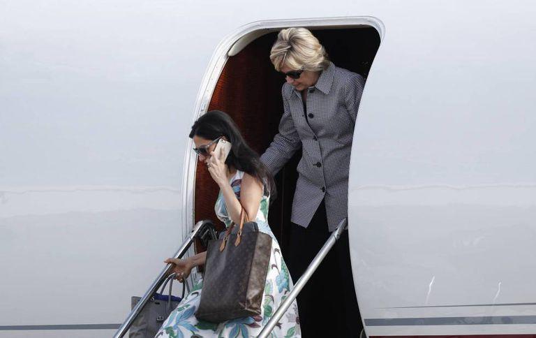 Huma Abedin e Hillary Clinton em campanha