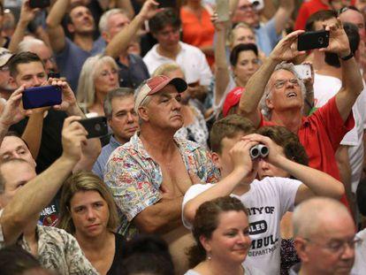Seguidores de Trump em evento em Connecticut.