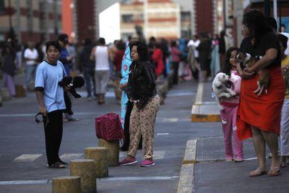 Moradores nas ruas da capital do México após o novo terremoto.
