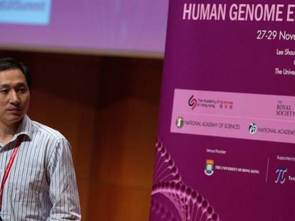 He Jiankui fala no congresso de Edição de Genoma Humano de Hong Kong.