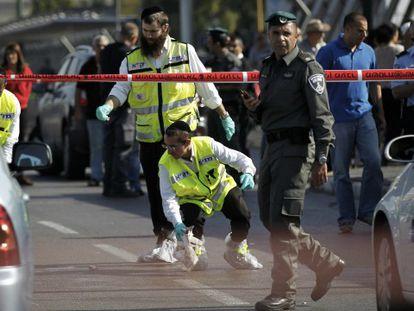 O local do apuñalamiento, em Tel Aviv, o 10 de novembro / Foto e vídeo de Reuters