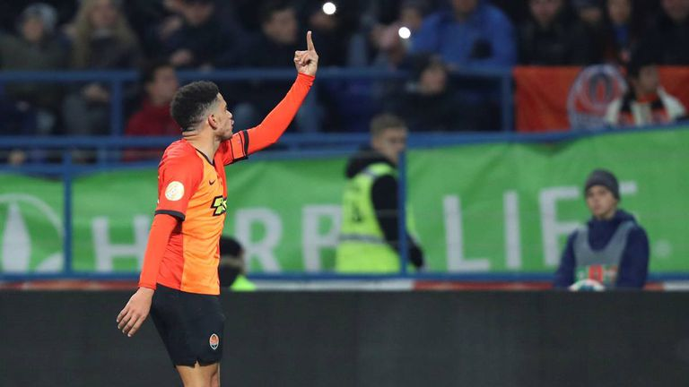 ATTENTION EDITORS - SENSITIVE MATERIAL. THIS IMAGE MAY OFFEND OR DISTURB  Soccer Football - Ukrainian Premier League - Shakhtar Donetsk v Dynamo Kiev - Metalist Stadium, Kharkiv, Ukraine - November 10, 2019. Shakhtar Donetsk's Taison raises a middle finger thrust out in an obscene gesture to Dynamo Kiev's supporters while reacting to presumed racist insults. Picture taken November 10, 2019. REUTERS/Oleksandr Osipov
