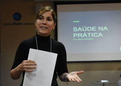 A médica pediatra Mayra Pinheiro é uma forte crítica à importação de médicos cubanos