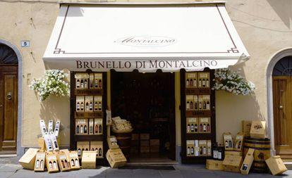 Uma loja de vinhos em Montalcino.