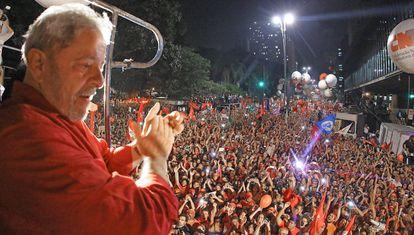 Lula na manifestação realizada na Avenida Paulista, na sexta-feira, em São Paulo.