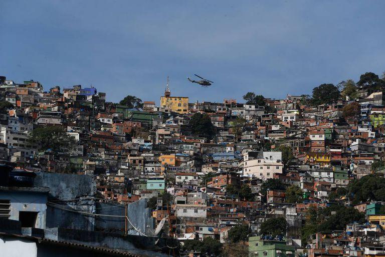 Operação de segurança contra confrontos entre traficantes na favela da Rocinha, no Rio de Janeiro.