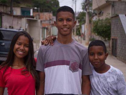 Laís, Alex, e Pedro, irmãos com uma habilidade de gênios.