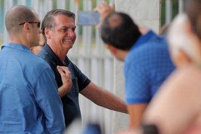 Bolsonaro ao chegar no Palácio da Alvorada nesta quarta-feira.