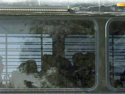 Imigrantes enviados à prisão de Victorville, Califórnia, em junho