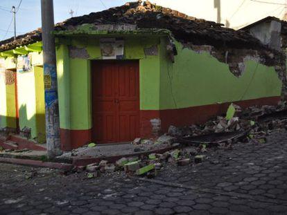 Uma casa em San Marcos danificada pelo terremoto de magnitude 6,9.