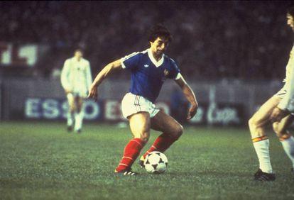 Alain Giresse, o Maradona francês, em 1982.