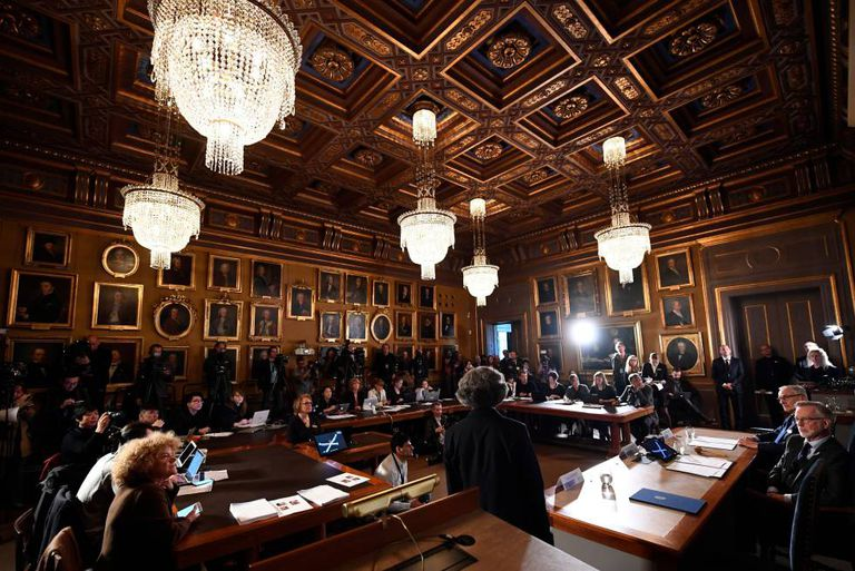 Uma imagem do Comitê do Nobel em Estocolmo.