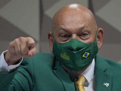 Luciano Hang durante a sessão da CPI.