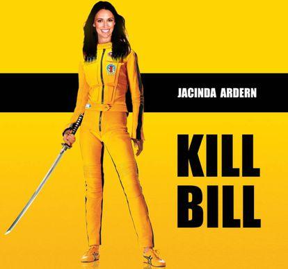 Jacinda Ardern caracterizada como Uma Thurman em 'Kill Bill'.