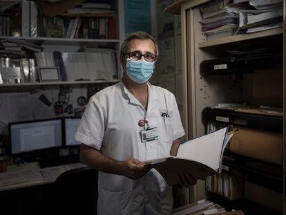 O médico Òscar Miró, coordenador de pesquisa do serviço da Emergência do Hospital Clínic, de Barcelona.