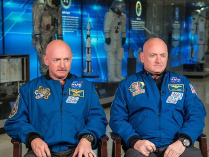 Os irmãos gêmeos Mark e Scott Kelly, astronautas da NASA.