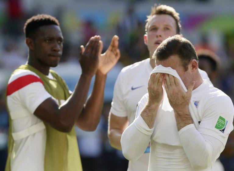 Rooney se lamenta na despedida da Inglaterra
