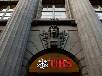 Fachada da sede do banco suíço UBS em Zurique.
