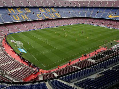 Camp Nou vazio durante o jogo entre Barcelona e Las Palmas, no domingo