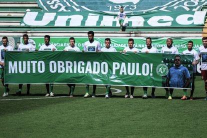 Chapecoense presta tributo ao presidente Paulo Magro.