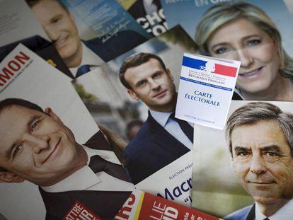 Panfletos dos candidatos nas eleições francesas deste domingo.