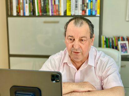 O senador Omar Aziz (PSD-AM) durante entrevista ao EL PAÍS por videoconferência, no dia 29 de julho.