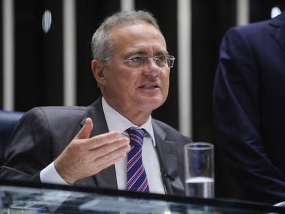 Renan Calheiros preside sessão do Senado no dia 1º de novembro.