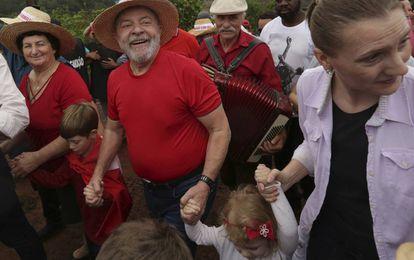 Lula neste domingo, em caravana de pré-campanha pelo Brasil.