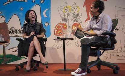 Fernanda Torres e o escritor peruano Daniel Alarcón.