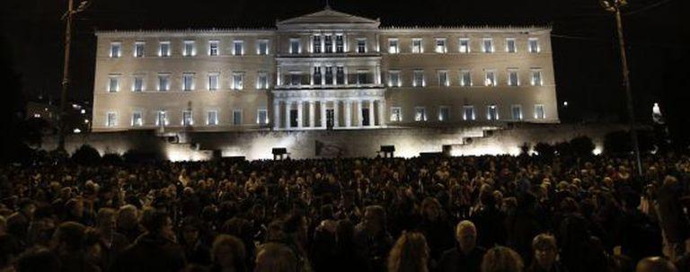 Marcha em solidariedade ao governo grego em Atenas.