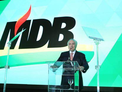 """Temer, na convenção do partido, que já trazia a sigla """"MDB""""."""