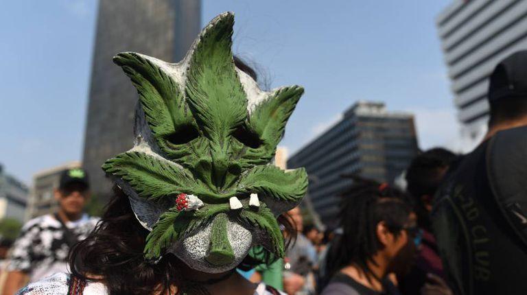 Manifestante na Marcha da Maconha da Cidade do México