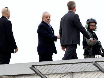 Lula chega de volta à PF em Curitiba depois de assistir ao velório do neto em março de 2019.