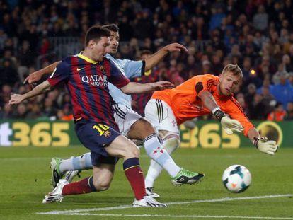 Messi supera Yoel no 2 a 0.
