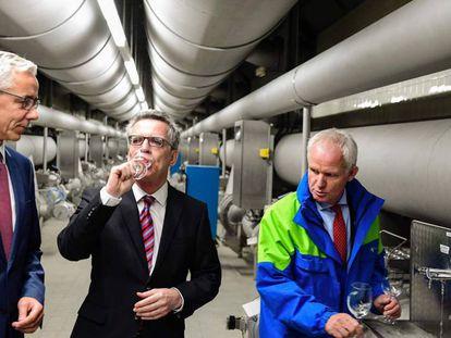 Maizière na empresa de abastecimento hídrico de Berlim