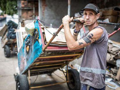 Gabriel Ortega e sua carroça customizada
