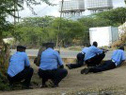 Quatro agressores pertencentes à milícia islamita somali Al Shabab foram mortos perto da fronteira com a Somália