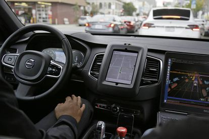 Interior de um carro sem motorista da Uber, em São Francisco.