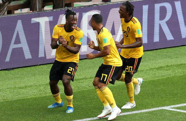 Batshuayi, 21, comemora quinto gol da Bélgica na partida